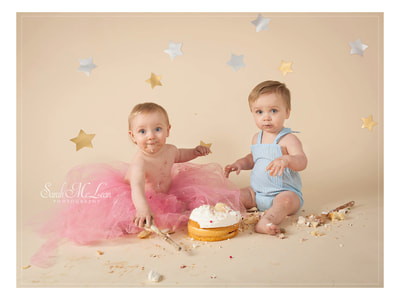 twins cake smash first birthday photo shoot in Preston, Lancashire by Sarah Mclean Photography