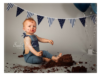 cake smash and splash photos in Blackburn, lancashire by Sarah Mclean