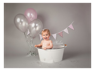 Splash session for first birthday photographer by Sarah McLean Photography